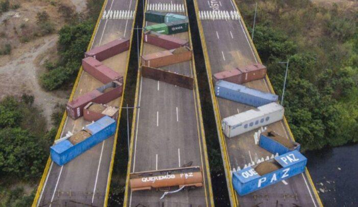 PIDEN A MADURO RETIRAR LOS CONTENEDORES DE LOS PUENTES INTERNACIONALES